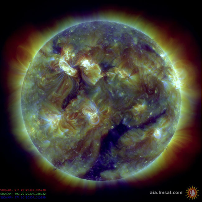 Foto de fotografías del Sol debidas a una erupción solar de clase X (2/7)
