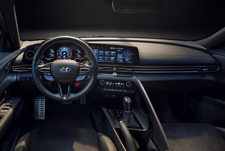 Hyundai Elantra N 12