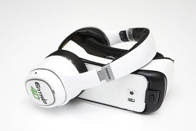 Audífonos que estimulan el oído interno; Samsung quiere que sintamos la realidad virtual