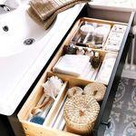 Mantener el orden en los cajones del lavabo es muy fácil con estos diez complementos de Ikea