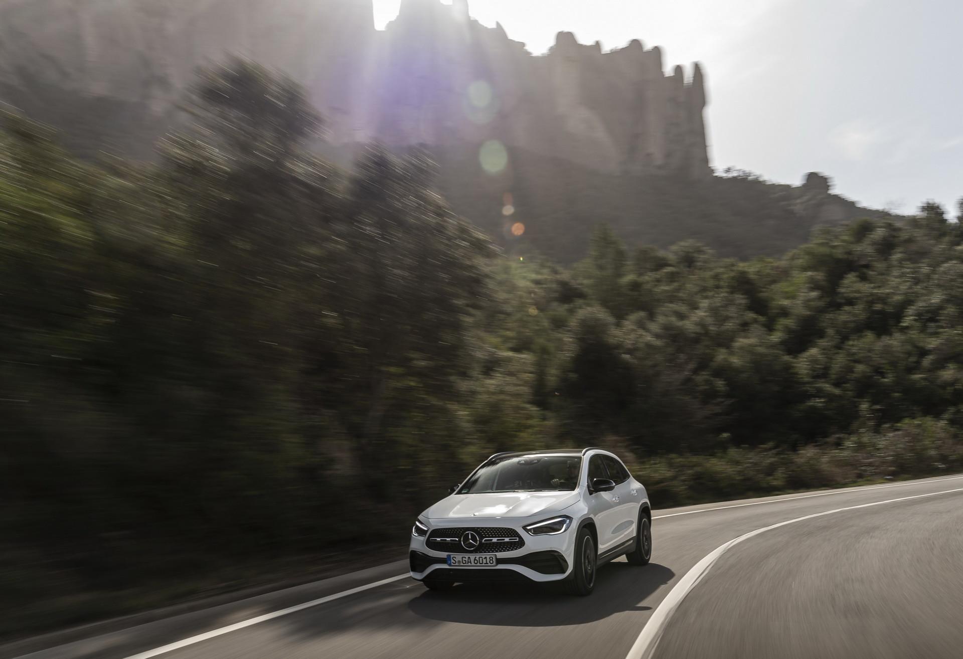 Foto de Mercedes-Benz GLA 2021 (3/103)