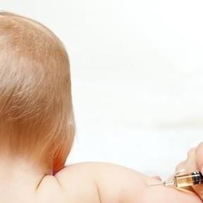 Los pediatras alertan del aumento de casos de meningitis, y las vacunas son la única prevención