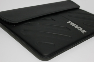 Funda Thule Molded EVA para MacBook Air, la funda para portátil que usaría Batman