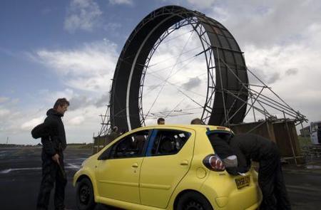 Cómo hacer un looping con un Toyota Aygo