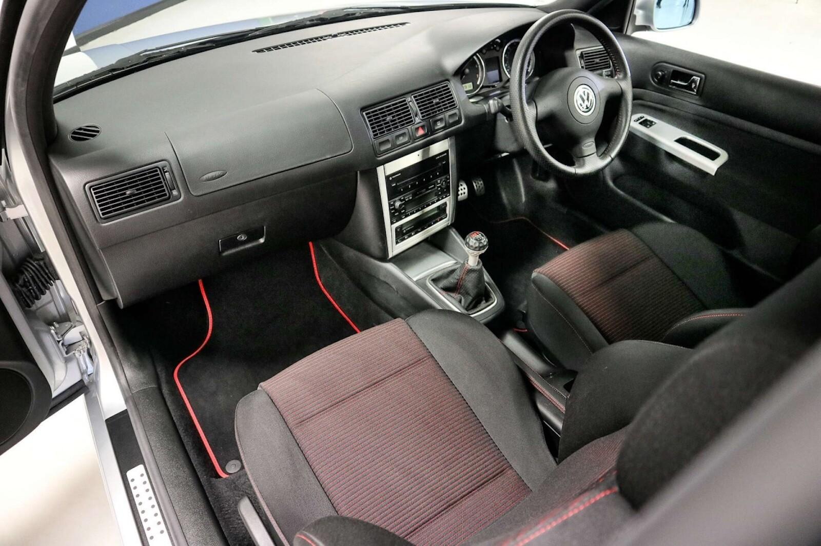 Foto de Volkswagen GTI MK4 25 aniversario a subasta (10/20)