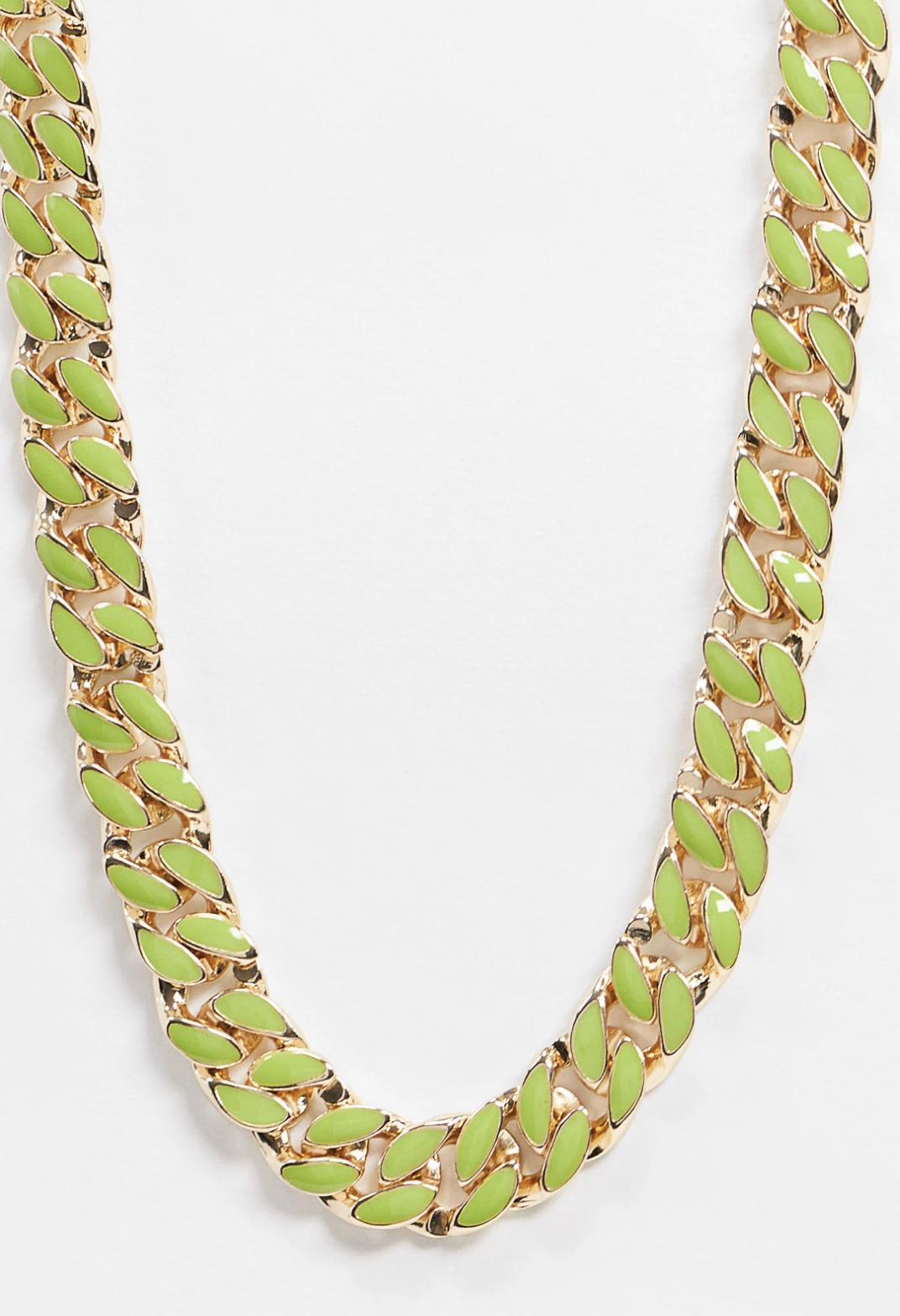 Collar dorado con cadena barbada esmaltada en verde de ASOS DESIGN