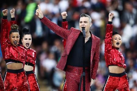 Robbie Williams Se Enfunda En Animal Print Para La Inauguracion De La Fifa World Cup En Rusia 2018 2