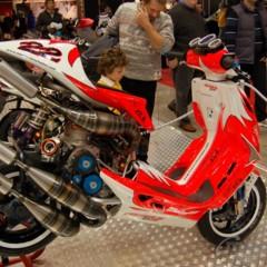malaguti-f12-v4-un-scooter-con-90-caballos