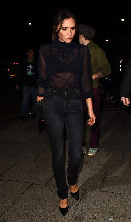 victoria beckham street style negro
