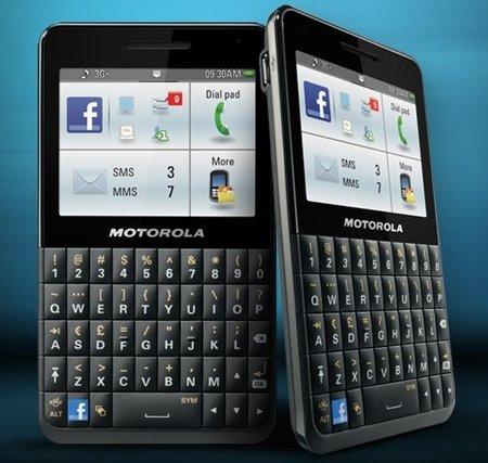 Motorola Motokey Social: un teléfono orientado a Facebook