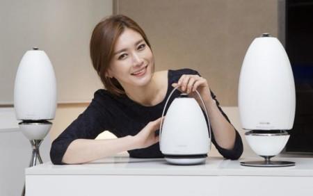 Los nuevos altavoces de Samsung tienen forma de huevo y apuntan en todas las direcciones