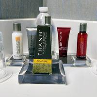 En la guerra contra el plástico, los botecitos de champú de los hoteles son la siguiente víctima