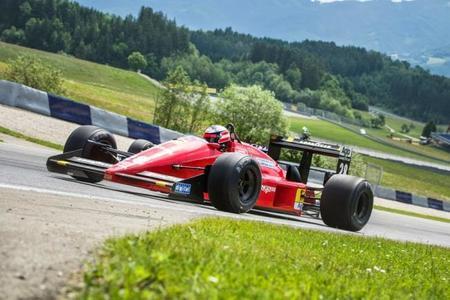 Sebastian Vettel y Gerhard Berger intercambian monoplazas