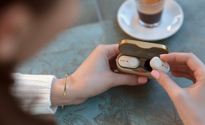 Auriculares Inal/ámbricos Bluetooth X10 Mini Deporte Auriculares Sin Cable con Estuche de Carga Compatible con Android iOS Blanco Auriculares Bluetooth 5.0