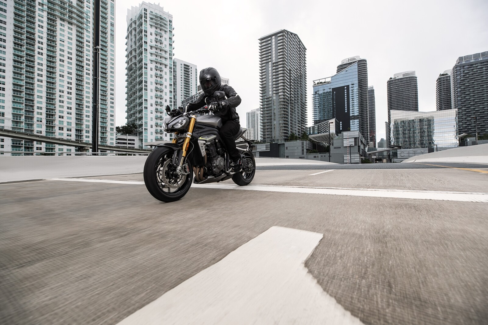 Foto de Triumph Speed Triple 1200 RS 2021 (36/71)