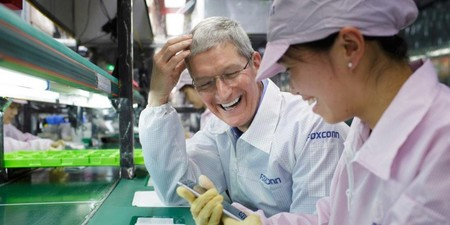 Foxconn Iphone Tim Cook