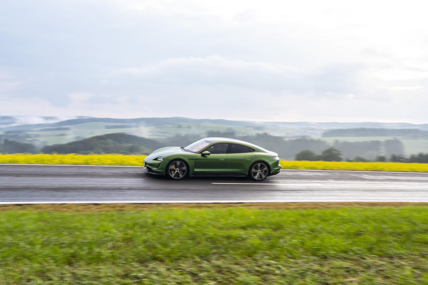 Foto de Porsche Taycan prueba contacto (221/275)