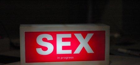 Más de una relación sexual semanal no te hace más feliz, pero menos, sí