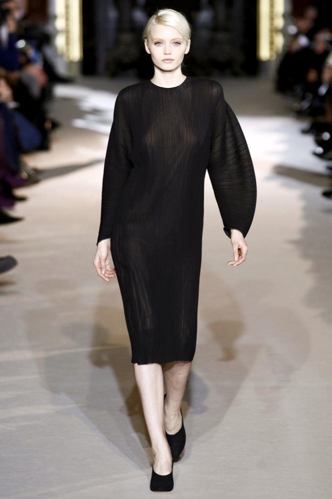 Foto de Stella McCartney Otoño-Invierno 2011/2012 en la Semana de la Moda de París:  (6/25)