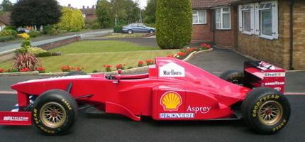 El más chulo del barrio: réplica de un Fórmula 1 Ferrari