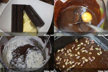 Cuadraditos de chocolate y pistachos. Pasos