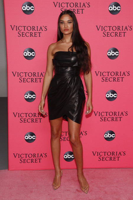 Shanina Shaik victoria secret red carpet