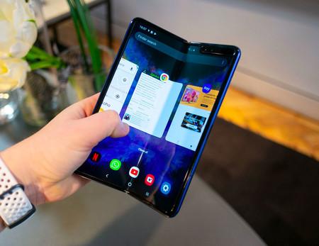 Samsung Galaxy Fold 02