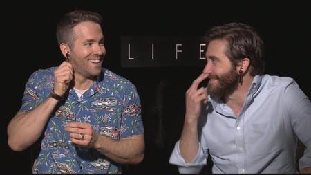 """Ryan Reynolds y Jake Gyllenhaal conquistan Internet con su """"bromance"""" - la imagen de la semana"""