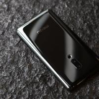 Meizu Zero: el primer móvil sin puertos ni perforaciones tiene eSIM, carga inalámbrica y pantalla sonora