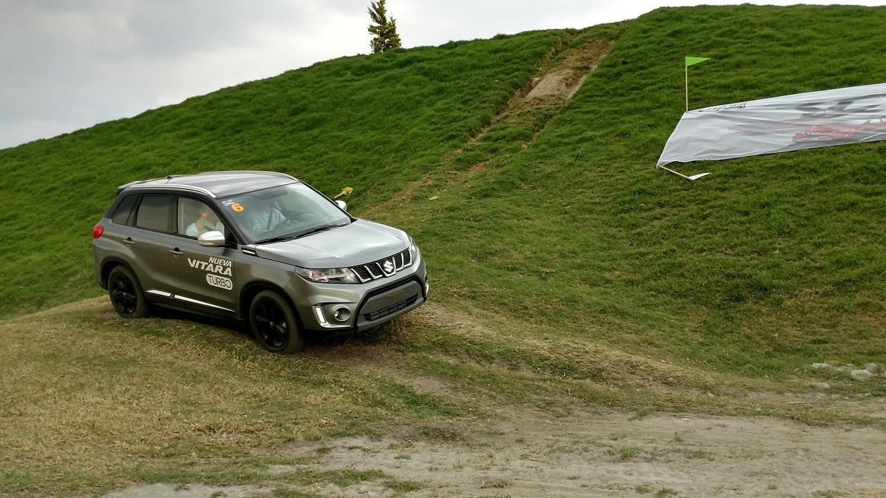 Foto de Suzuki Vitara Turbo prueba de manejo (17/18)