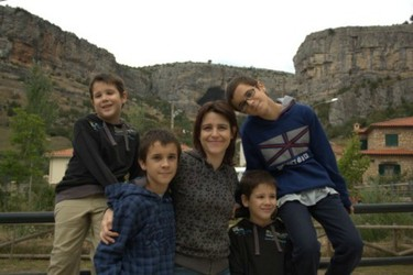 """""""Cada gemelo comparte con su hermano algo único"""". Entrevista a Gema Cárcamo, madre de dobles gemelos y asesora de lactancia"""