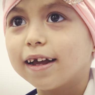 Ahinara, de seis años, superó un tumor cerebral en plena pandemia de coronavirus gracias a la terapia de protones