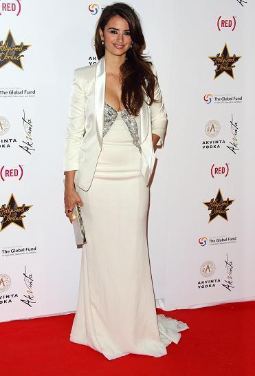Penélope Cruz ya está en Cannes: su primer look de alfombra roja