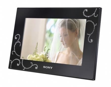 Marco digital de Sony con cristales de Swarovski
