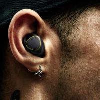 Gear IconX, estos audífonos de Samsung te cuantifican y reproducen música sin un smartphone