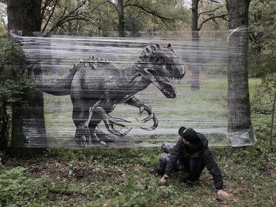 Graffitis en el bosque: así se crea el alucinante arte callejero que sustituye los muros por plástico