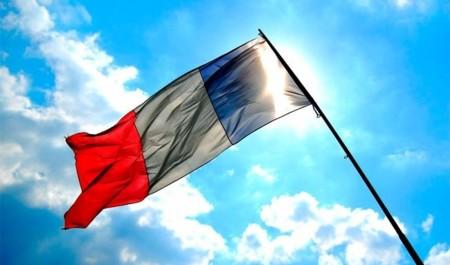 Francia recula con la Ley Hadopi y ya no desconectará a quien baje contenidos pirata
