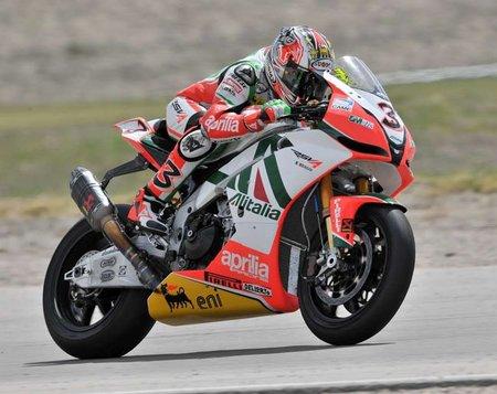 Superbikes San Marino 2010: Max Biaggi estrena el liderato en casa