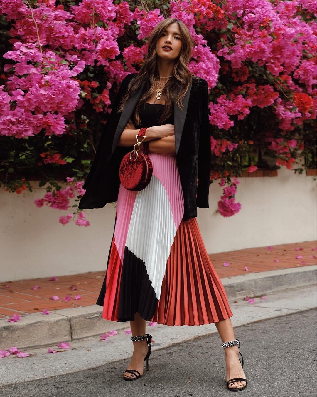 15 faldas plisadas perfectas para llevar de la ofi a cenar sin pasar por  casa bb2a54bc638c
