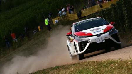 ¿Qué hace un Toyota Mirai en el WRC?