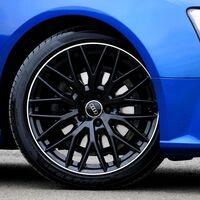 Más de un millón y medio de vehículos circulan con los neumáticos en muy mal estado, según el RACE