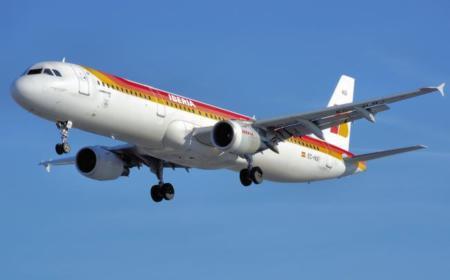 Iberia da luz verde al uso de aparatos electrónicos en sus aviones .. y ofrecerá Internet en sus vuelos
