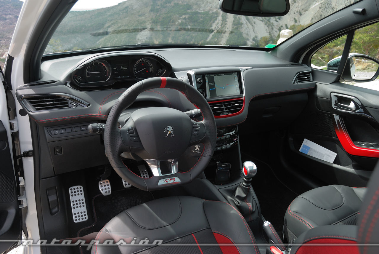 Foto de Peugeot 208 GTi (presentación) (21/42)