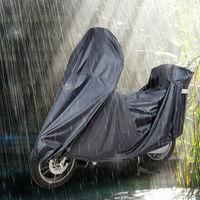 Mantén tu moto protegida y el trasero seco con los protectores de Tucano Urbano