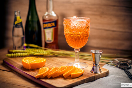 Cómo hacer un auténtico Aperol spritz: receta del cóctel más refrescante