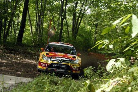 Rally de Japón 2010: Petter Solberg saca fuerzas y es el primer líder