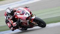Superbikes Italia 2013: Carlos Checa no estará en las carreras por culpa de su hombro