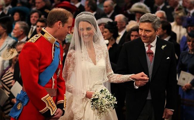 Foto de Todas las imágenes del príncipe Guillermo y Kate Middleton en el altar (1/12)
