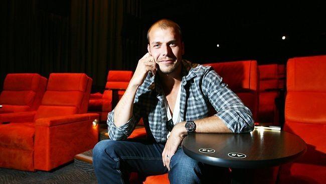 El director Patrick Hughes