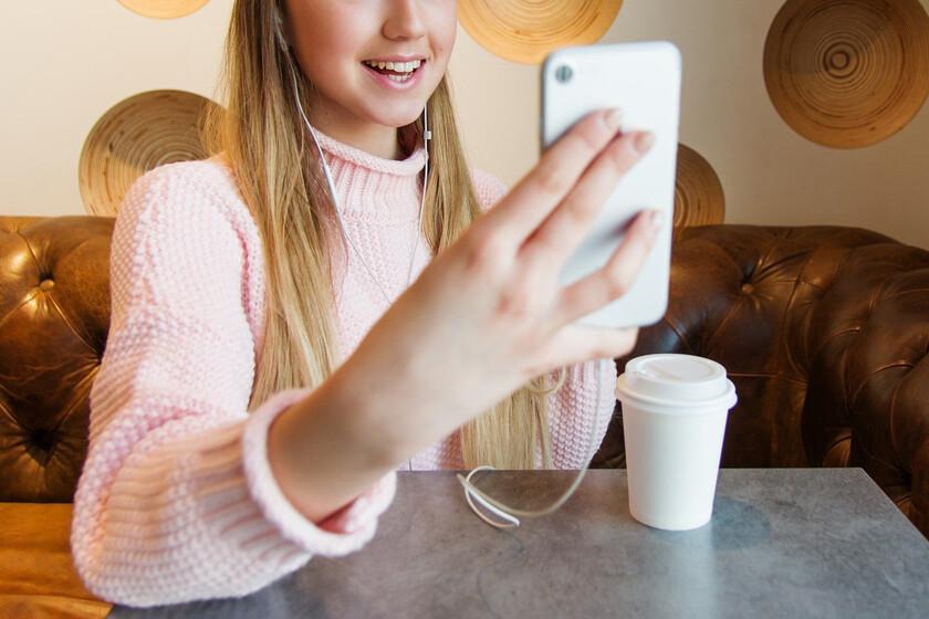 Signal, FB Messenger y Google Duo sufrían un error similar al de FaceTime: con una llamada se podía espiar a otros